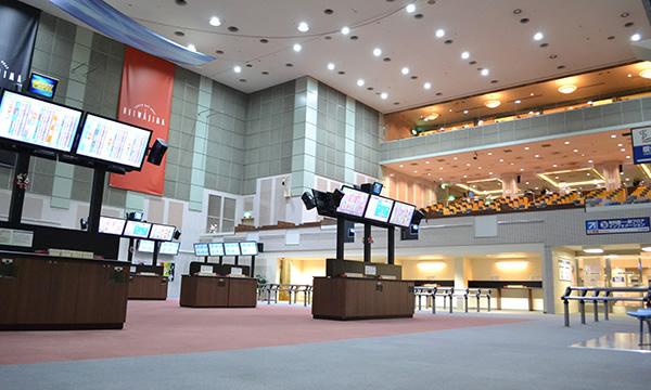 平和島劇場1F 超大型スクリーンのある空間