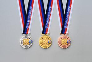 GRANDE5(グランデファイブ)のメダルデザイン 青龍・朱雀・白虎・玄武の四神が配列され、中央にはロゴが入った純金がはめ込まれている