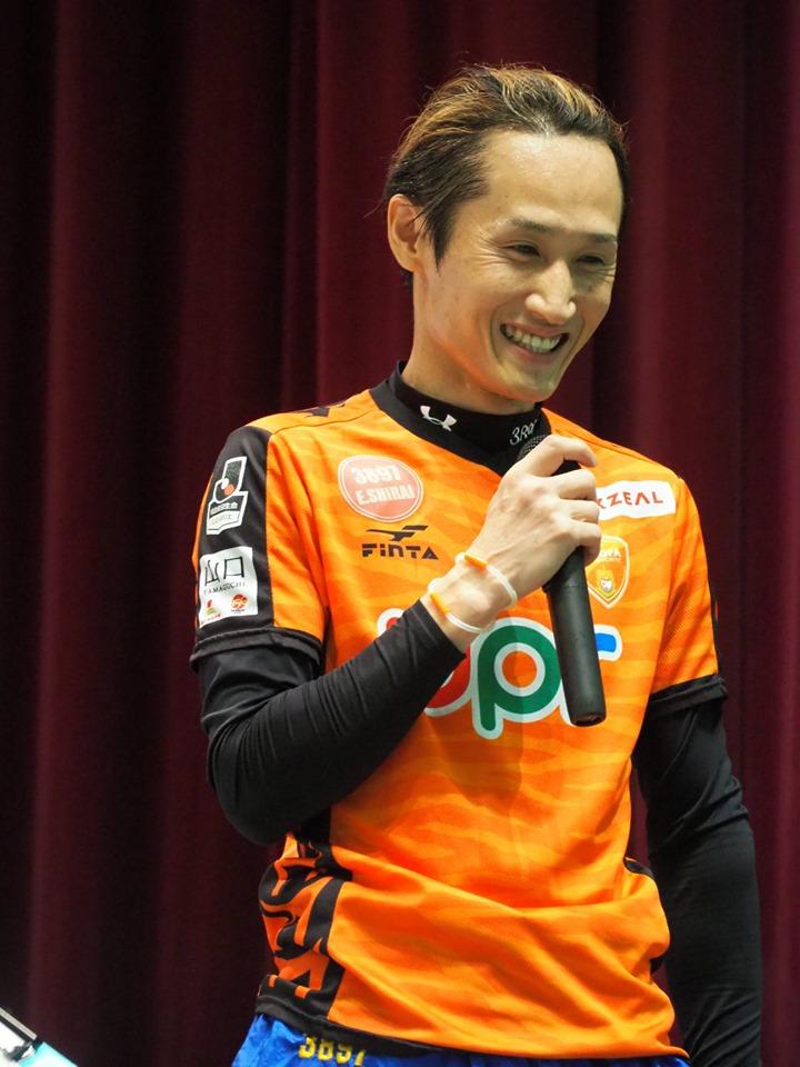競艇選手 山口支部のA1級レーサー白井英治選手が史上初の13連勝で完全V!表彰式での笑顔 ボートレース