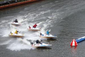 競艇ボートレースの基礎を学ぶ競艇の予想に関するオッズ舟券予想稼ぎ方|
