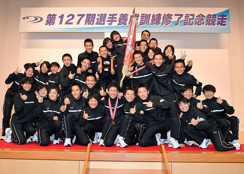 第127期集合 修了記念レースは清水愛海(しみずあみ)訓練生が優勝!女子の養成所リーグ戦勝率1位は初の快挙!やまと学校・山口支部・ボートレーサー