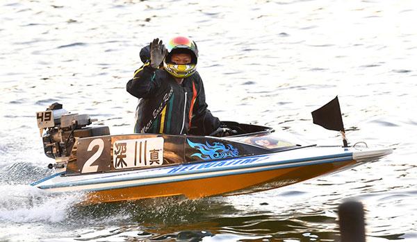 2020年グランプリ(賞金王決定戦)シリーズ戦は深川真二選手が優勝、ウィニングラン。佐賀支部が優勝!ボートレース平和島・競艇場