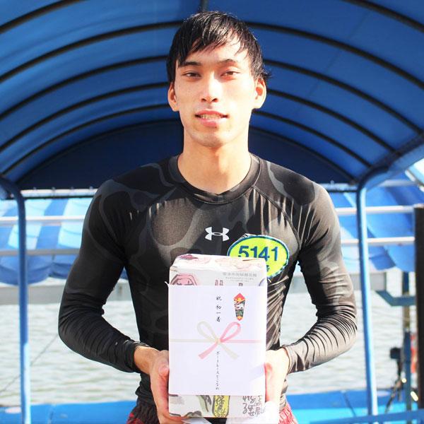 ボートレーサー大澤風葵(おおさわ ふうき)選手は2020年8月23日にデビュー初勝利を挙げた。群馬支部・競艇選手