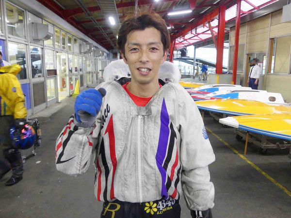 ボートレーサー上村純一選手の経歴などを調べてみた!リミットギリギリの30歳デビューしたため、ヤングダービーの出場資格は一度も得られず。群馬支部・競艇選手