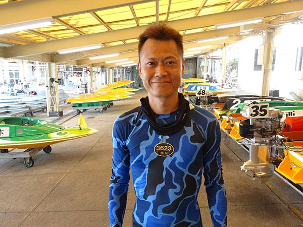 深川真二選手が通算100VをG2初優勝で飾った!通算100回の優勝。佐賀支部・ボートレース尼崎・競艇