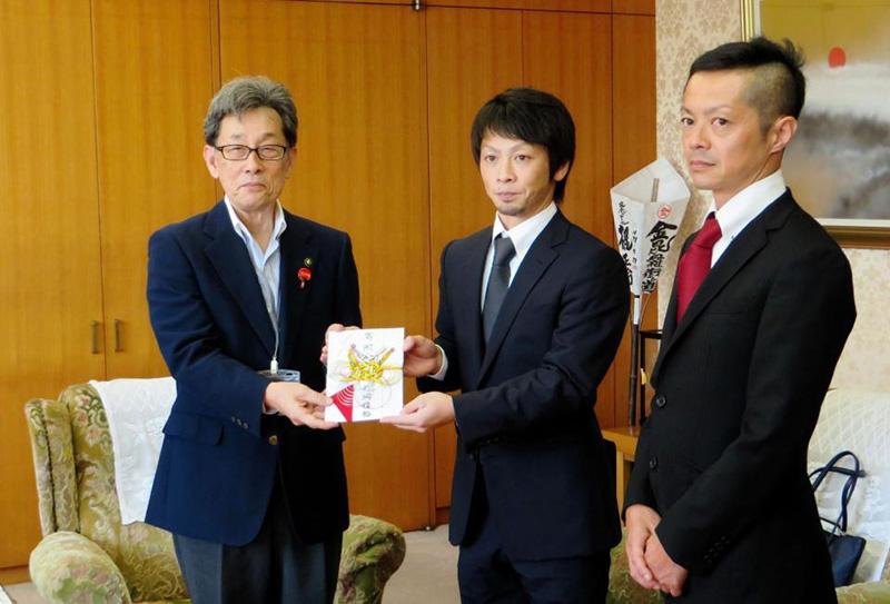 競艇選手 香川支部の片岡雅裕選手は高知県出身のボートレーサー。初G1制覇の賞金の一部を地元に寄付