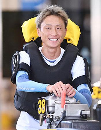 競艇選手 佐賀支部の峰竜太選手がオフィシャルブログを開設。ボートレーサー