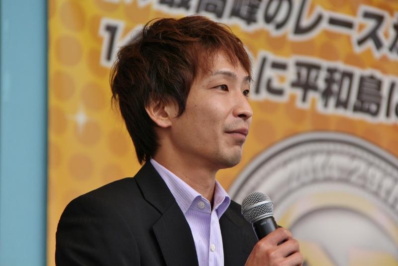 競艇選手 岡山支部の吉田拡郎選手は岡山県出身のボートレーサーで、ターンスピード、技術ともに一流の実力を持つ